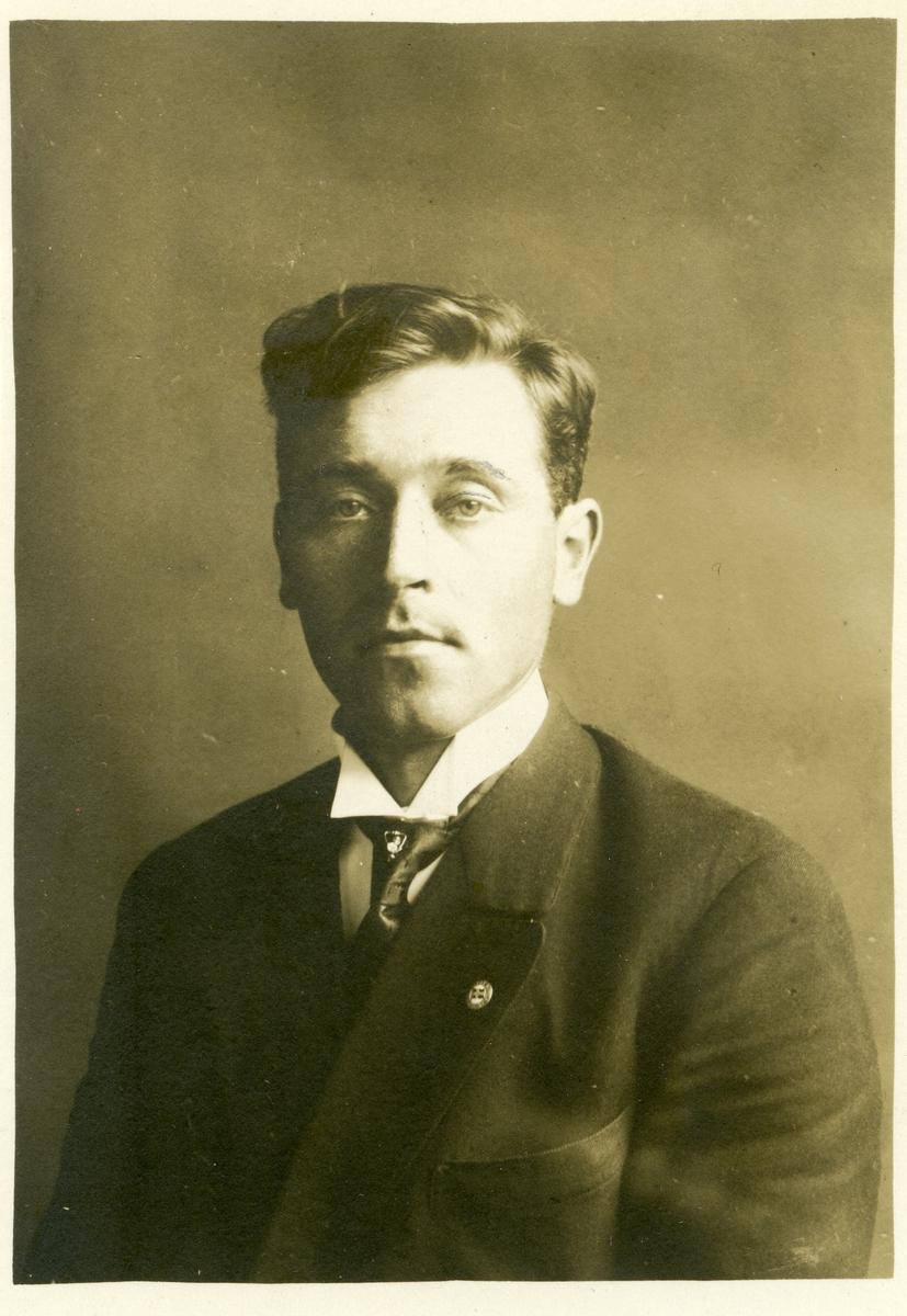Mikael Sørflaten.