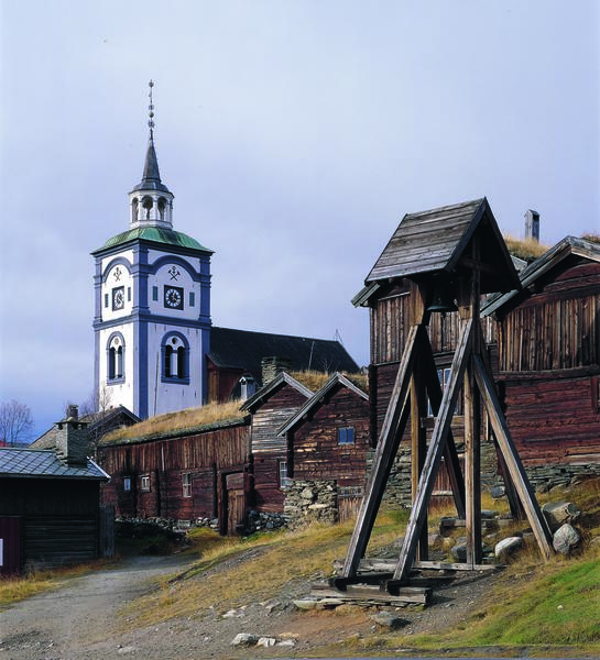 Røroskirka (Foto/Photo)