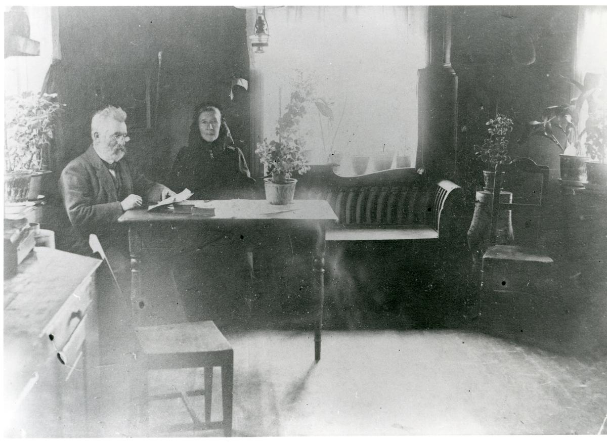 Ole E. Thorsrud og kona Ingrid.