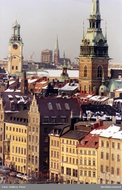 Stockholm. Vy över Gamla stan med Klara kyrka och ett av Kungstornen i bakgrunden.