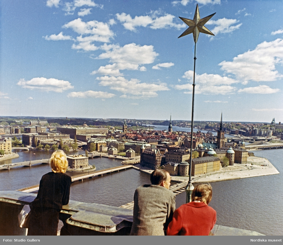 Utsikt över Riddarholmen och Gamla stan från tornet på Stockholms stadshus.