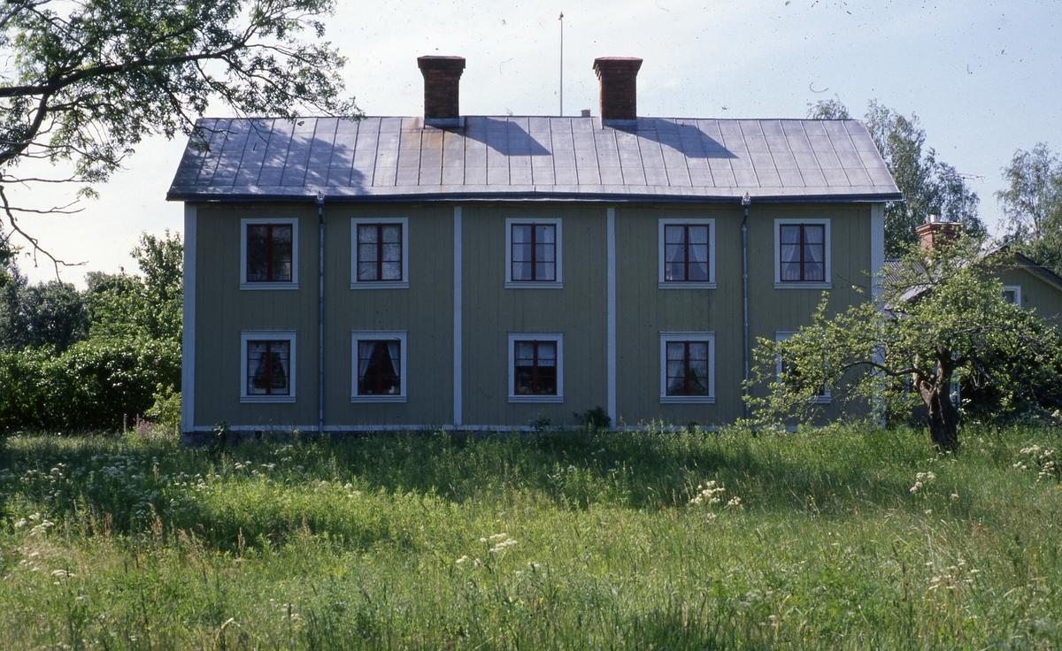 Erkas, som har anor ända tillbaka till 1600-talet, blev byggnadsminne 1991.
