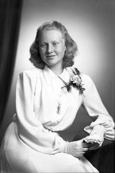 Konfirmand Barbro Widebäck, 3 maj 1945. Barbro Widebäck, Söd