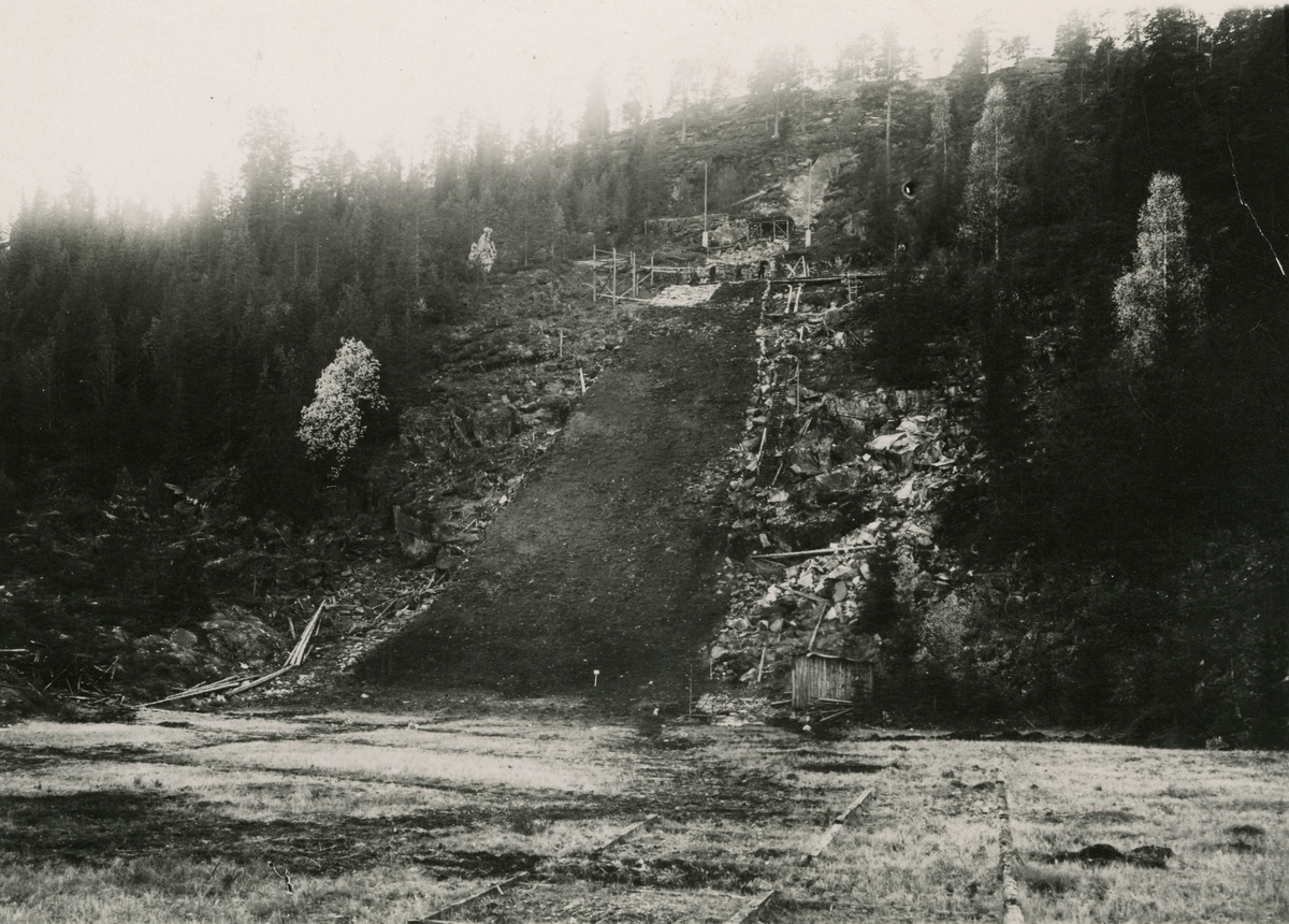 Construction of the Hannibal ski jump