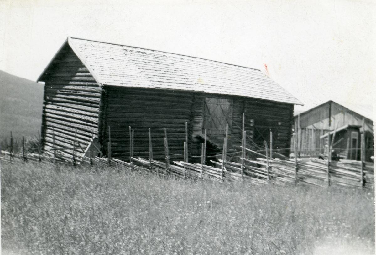 Den gamle låven på Braka, Hedalen, Sør-Aurdal.