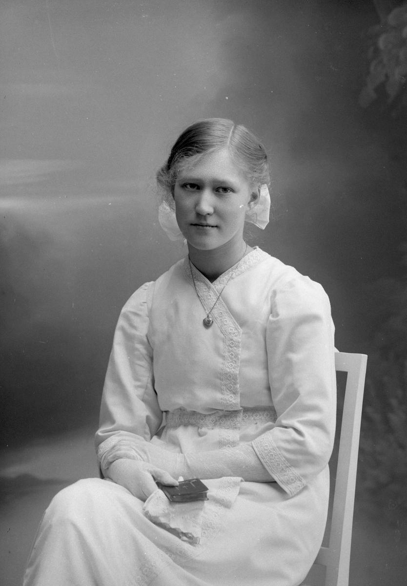 Vera Ahlbin, Femte Tvärgatan 38, Gävle