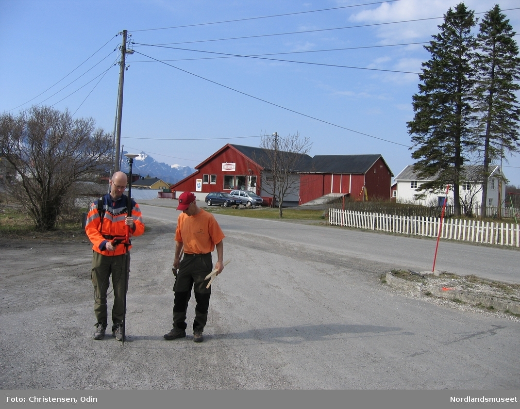 Tettsted. Inndyr. Gildeskål. Dokumentasjonsfoto i forbindelsen med miljøgata på Inndyr 2005.