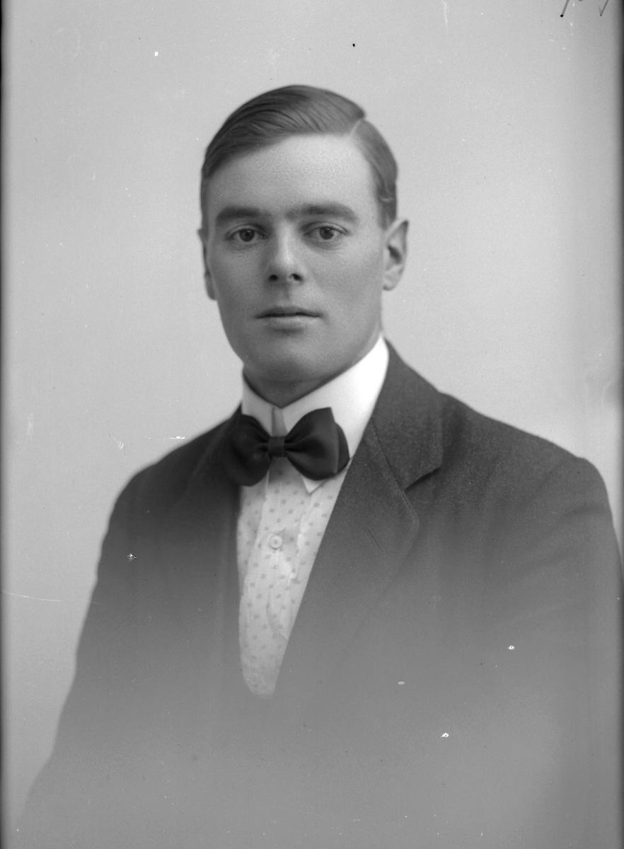David Forsberg. Jacob Wennbergs Järnaffär