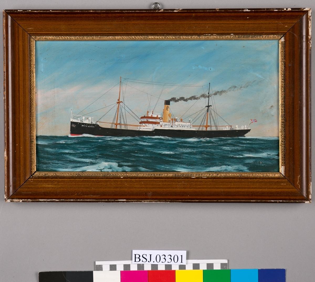 Skipsportrett av DS ERICH LINDØE under fart i åpen sjø..