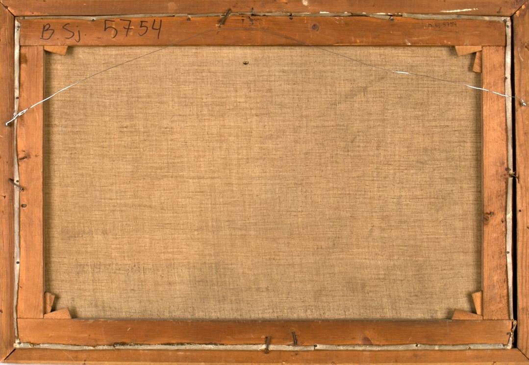 """Dampskipet COLUMBUS ligger til kais, rigget med to master. Industrielt havnelandskap fra London, det ene bygget merket med """"London Hydraulic Water Company"""". I bakre mast vimpel med skipets navn (speilvendt), i framre mast rederiflagg, blått med hvitt kryss. Norsk flagg med sildesalaten i akter. Akkurat samme bakgrunnsmotiv som BSJ.04601."""