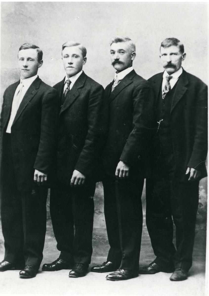 Gudbrand Hagene, Olaf Røang, Karl Hagen, Ola Hulveien.