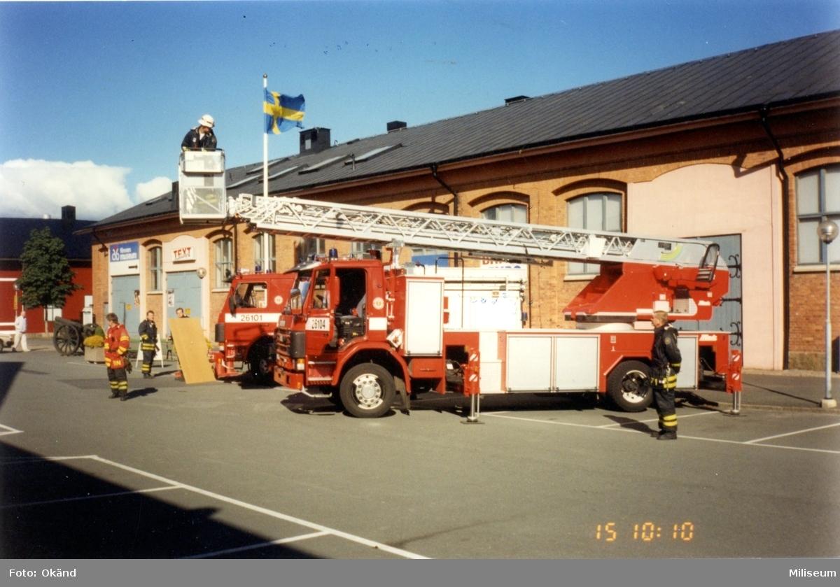 Frivilligförsvarets dag. Räddningstjänsten, brandbilar.