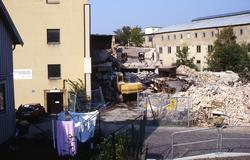 Det brandskadade huset på Klippgatan rivs (numera Royens gat