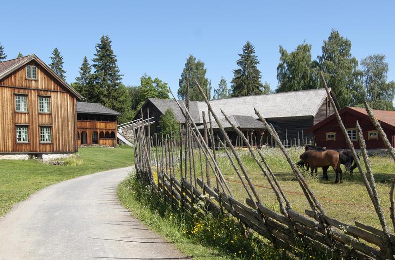 Tomterlåven er en del av tunet Åsgarden. (Foto/Photo)
