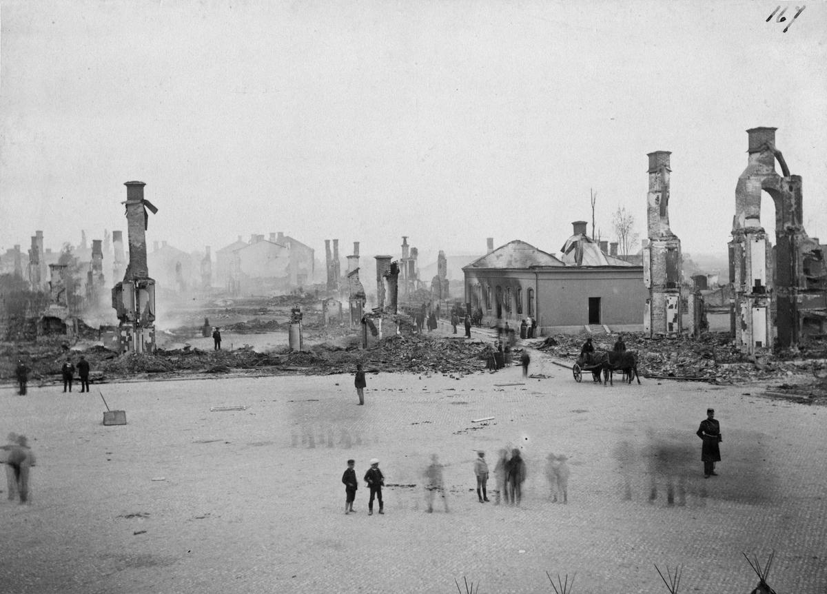 St. Torget efter branden 1889.