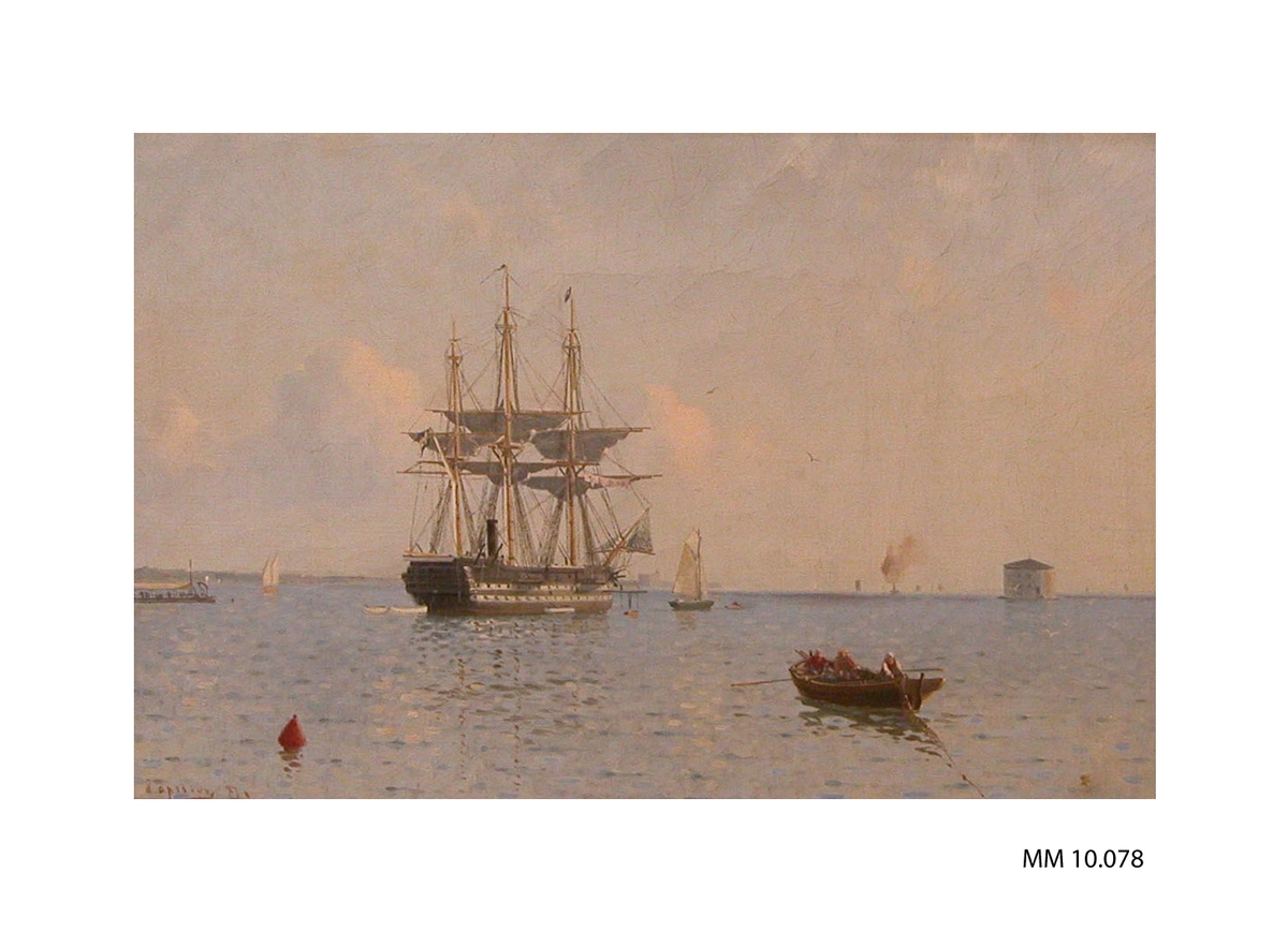 Oljemålning inom förgyll, rikt ornamenterad ram. Visar linjeskeppet Stockholm på Karlskrona redd med fyren Godnatt i bakgrunden. Signerad: A. Ahlberg 87 (ganska otydlig signering).  Motivets dim. =360 x 230 mm Ramens dim. = 640 x 520 mm