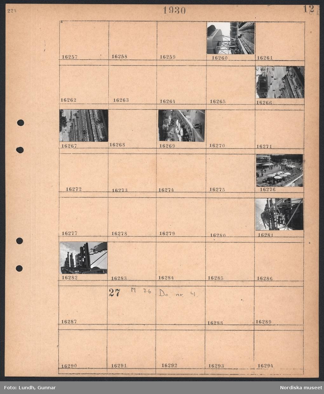 Motiv: Stockholmsutställningen 1930, Galleri Modern; Vy över läktare, vy över rader med stolar, vy över utställnigsområdet.  Motiv: Stockholmsutställningen 1930; Ej kopierat.