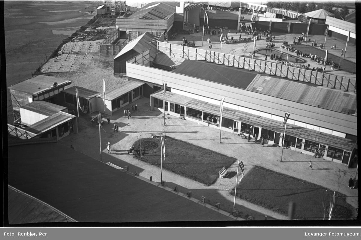 Fra jubileumsutstillingen i 1936 tatt fra pipa på Verdalsbruket.