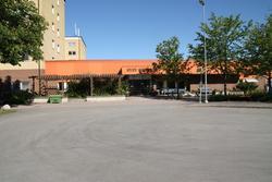 Nyby servicehus, kvarteret Leopold, Leopoldsgatan 1,3,5,7,9,