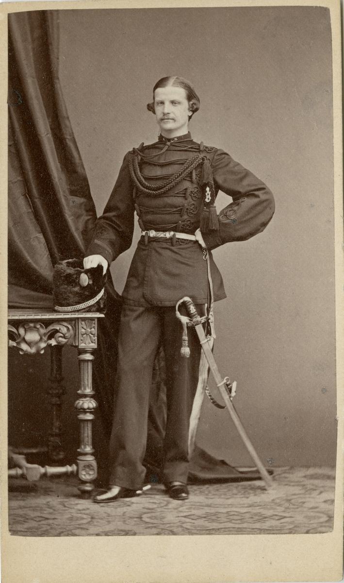 Porträtt av Henrik Fredrik Gyllenram, officer vid Jämtlands fältjägarkår.