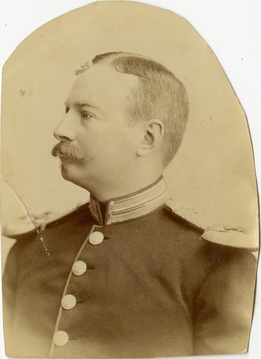 Porträtt av okänd officer vid Göta livgard I 2.