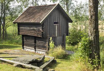 Kjona_fra_Haugen_-_Aurskog-Hland_bygdetun_-_MiA_Museene_i_Akershus.jpg
