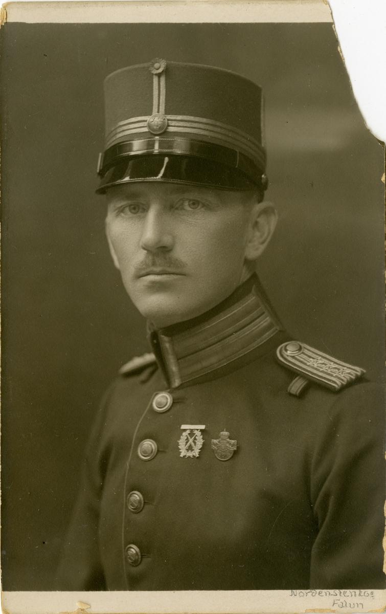 Porträtt av okänd kapten vid Dalregementet I 13.