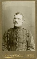 Porträtt av okänd underofficer vid Livregementets husarer K