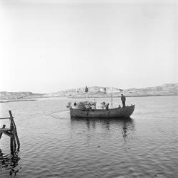 St. Hans, Vestfold, Tjøme, Verdens Ende, 23.06.1960. To båte