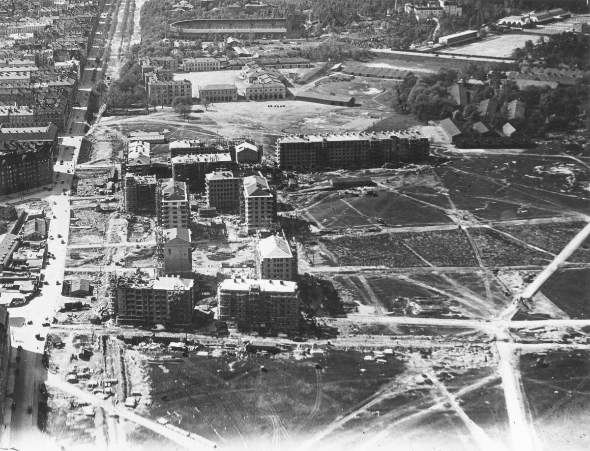 Flygbild över byggnationen av Gärdet, Stockholm på 1930-talet.