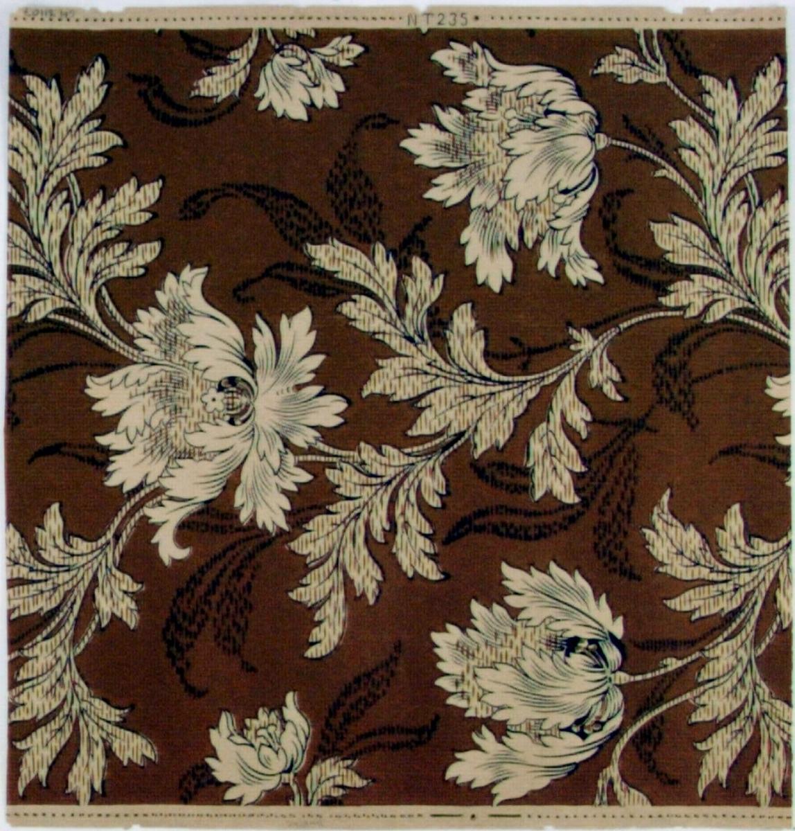 Fritt växande jugendmönster med tulpaner. Tryck i chokladbrunt och svart på ofärgat papper.