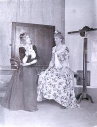"Läroverket i Kalmar Brage N 3 4 mars 1899. Scen ur ""Humleplo"