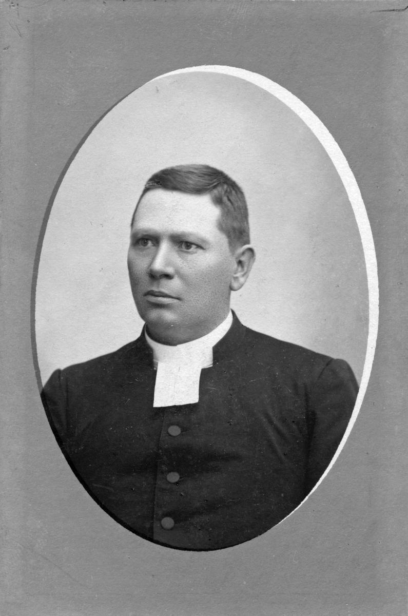 Pastor Axel Seeman