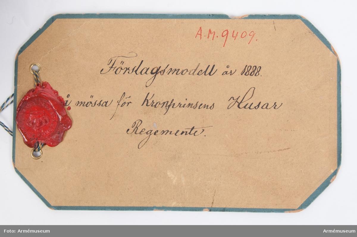 Grupp C I. Mössa, förslagsmodell 1888, Kronprinsens husreg. Svart päls.