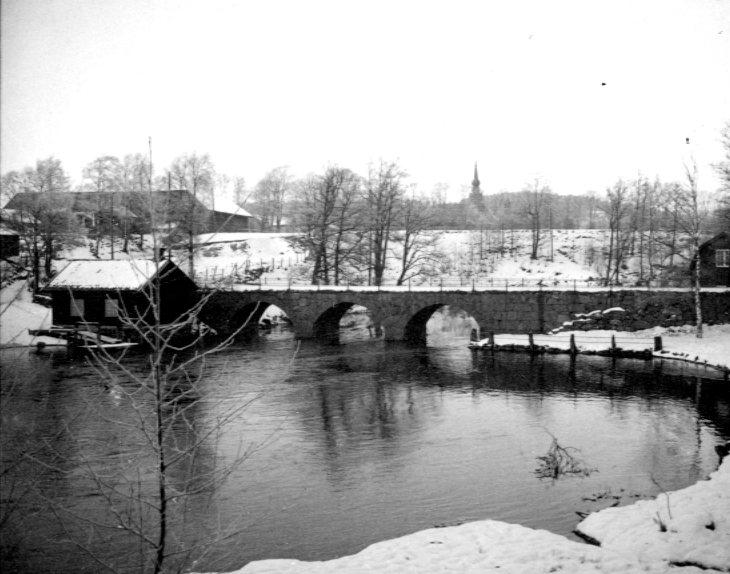 Bro över vattendrag. Lerum.