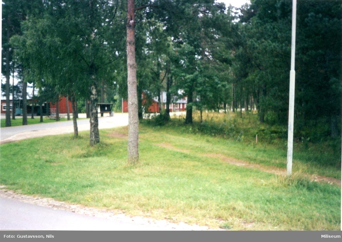 Matsalen och en barack i Skillingaryd.