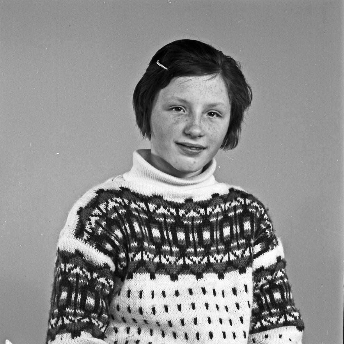 Portrett ung kvinne - bestiller Alvhild Hinderaker