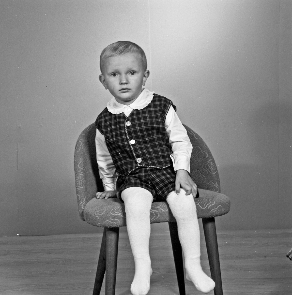 Portrett lite barn - bestiller Aksel Olsen