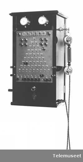 Telefonsentraler, magneto pyramideveksler 10 d.l. spesial. Rigstelegrafen. Elektrisk Bureau.