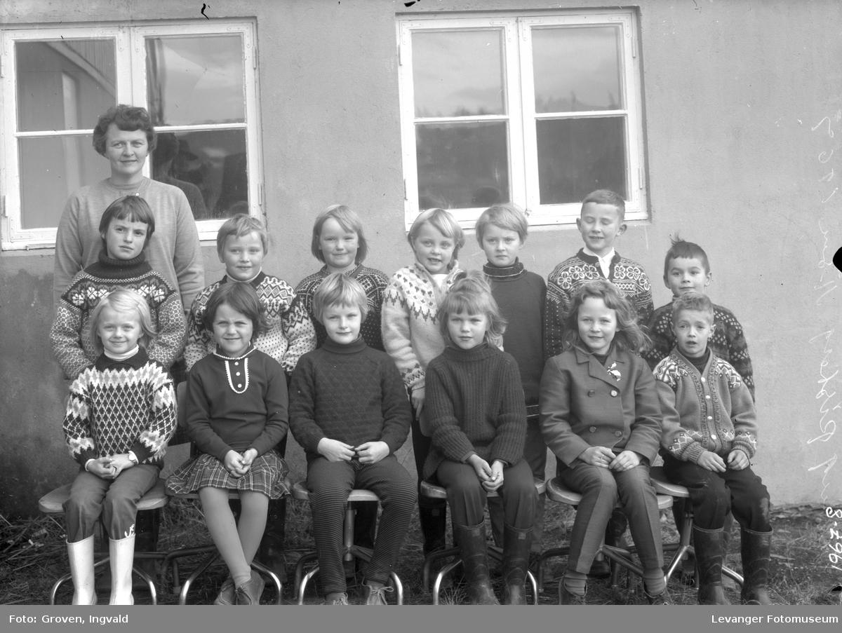 Skolebilde fra folkeskole, fra Åsen ?