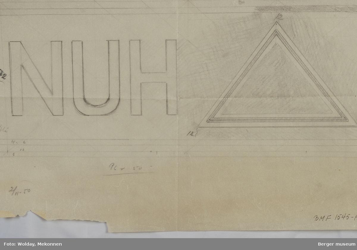"""NUH"" med pyramide trekant. Norges Ungdomsherberger"
