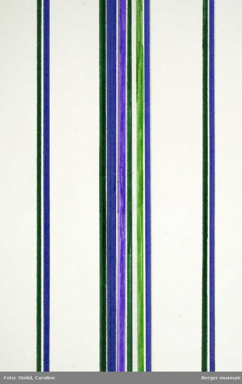 Vertikale striper på hvit bunn