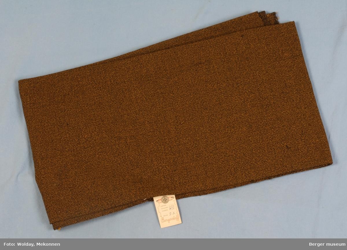 Stor stoffbit Kjole/skjørt Kvalitet 6511 Stykkfarget