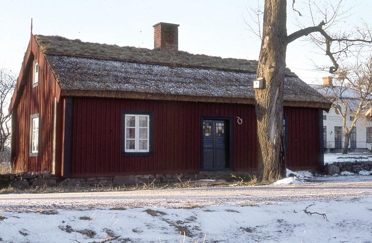 Bild D33702 är S. Ryssagården Hömb.(uppgift från besökare 2016)