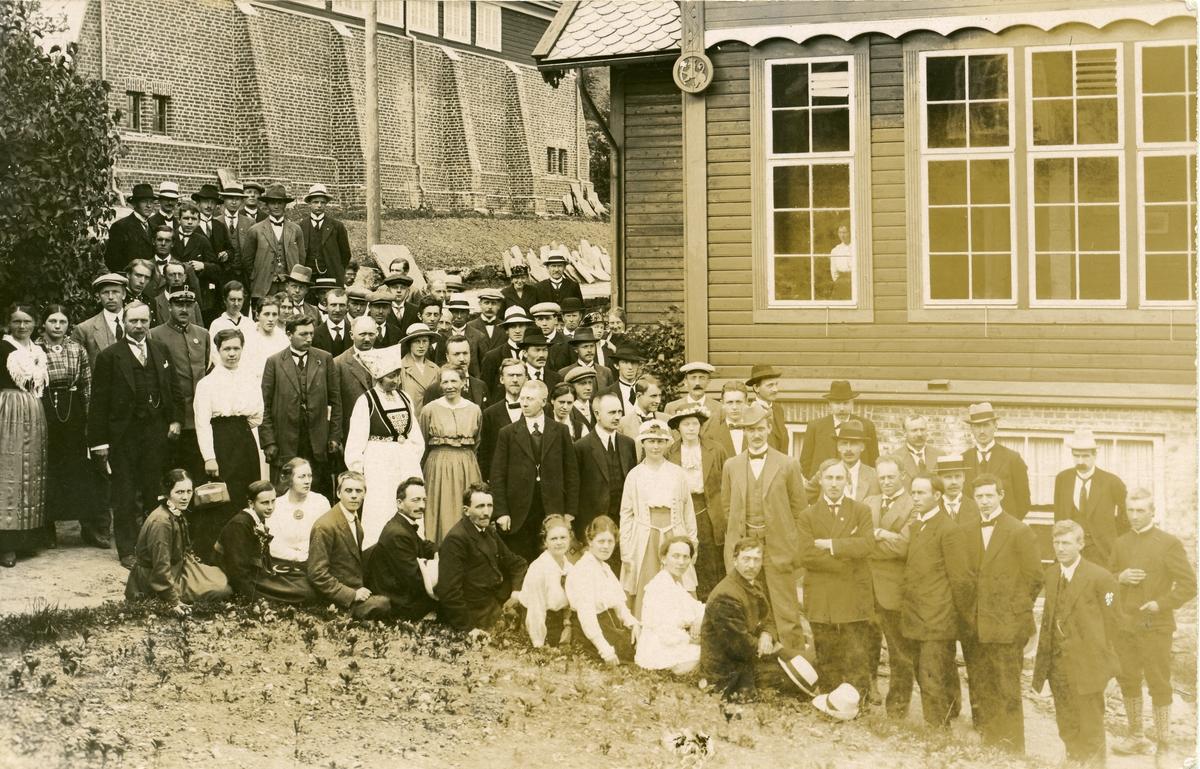 Noregs Ungdomslag har årsmøte på Voss 1917.