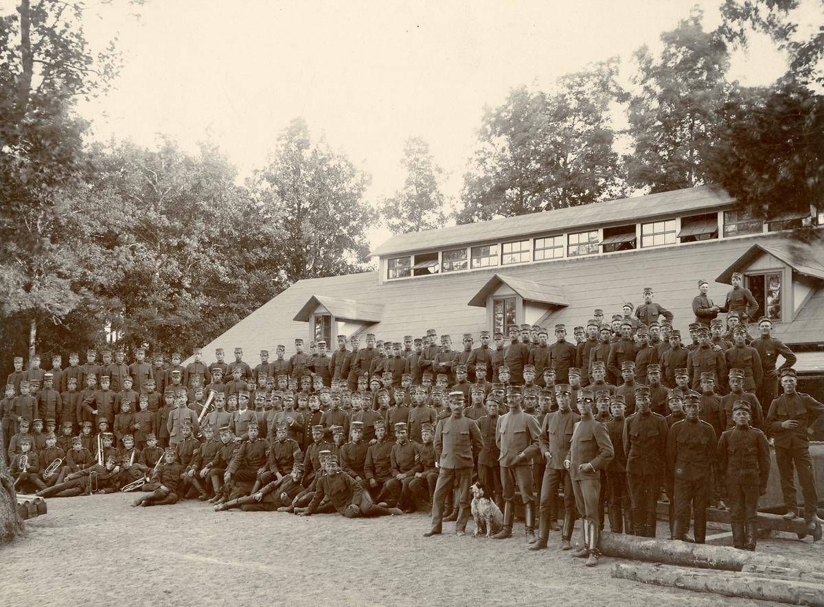 Intendenturkompaniet uppställt vid Gullspång 1901.