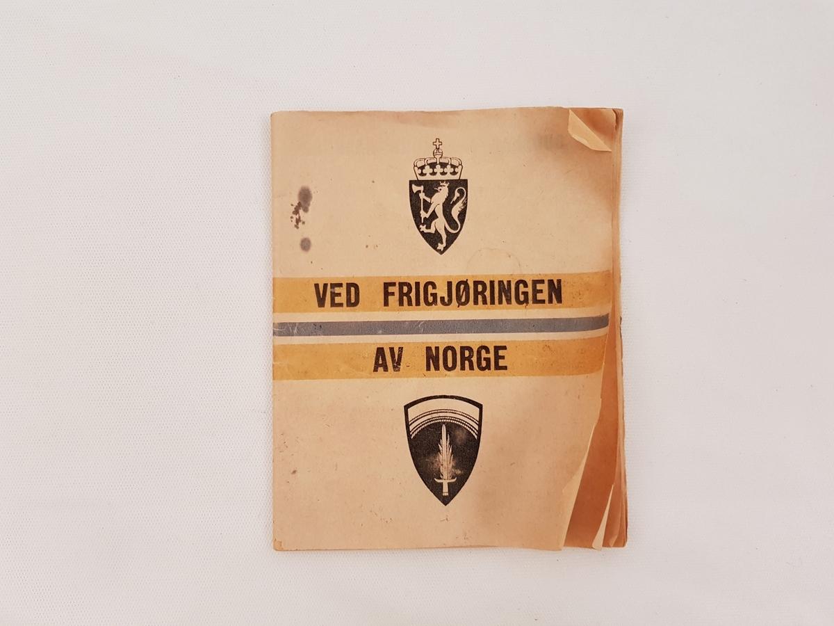 Papirhefte med trygt informasjon skrift på norsk omhandlende informajon til den norske befolkning.