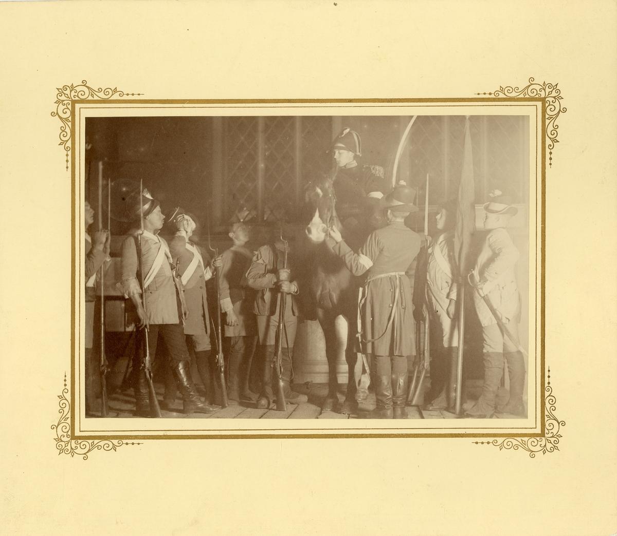 """Scen ur """"No femton Stolt"""" vid manskapsfest i Pontonjärbataljonens exercishus 1891."""