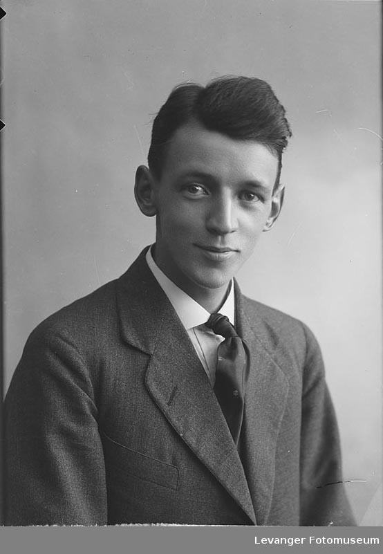 Portrett Olav Karlgård.Portrett