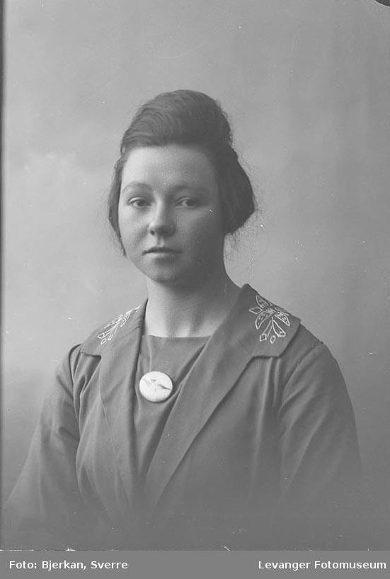 Portrett Ella Morhen